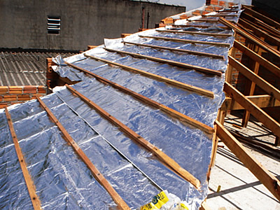 Manta termica sobre telhado